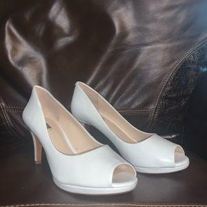 White Alex Marie Size 9 Peep Toe Heels